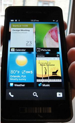 BlackBerry 10 First Look - UI