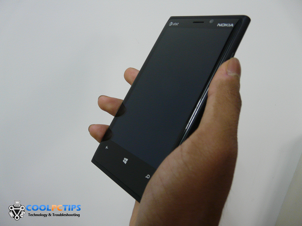 Nokia Lumia 920 Review - Design (1)